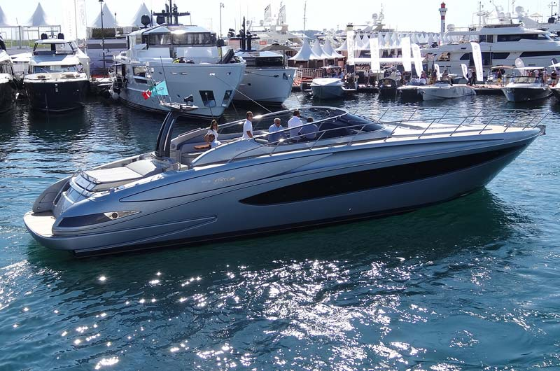 cannes-boat-show-2013-fotostrecke-part3-14