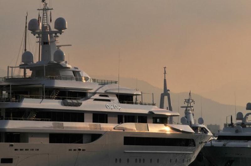 Monaco Yacht Show 2013 10