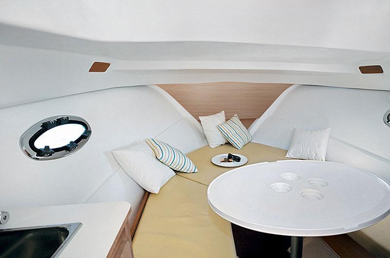 Beneteau Flyer 750 Sun Deck Bild-07