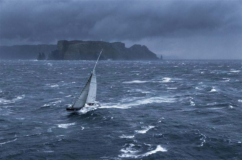 Segelyachten im sturm  Sydney Hobart Regatta: Wild Oats XI gewinnt zum 7. mal | Boot Online