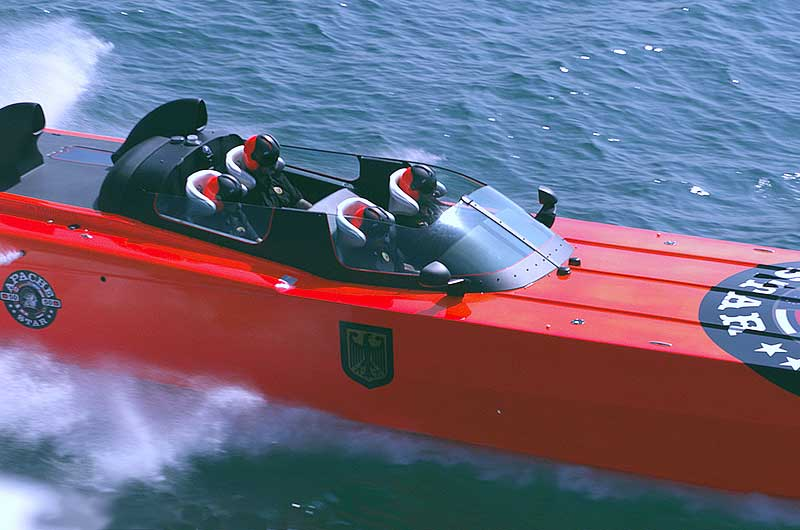 Roger Klüh - Speedboot Apache Star 07