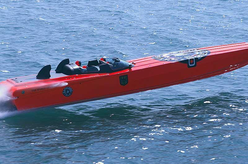 Roger Klüh - Speedboot Apache Star 08