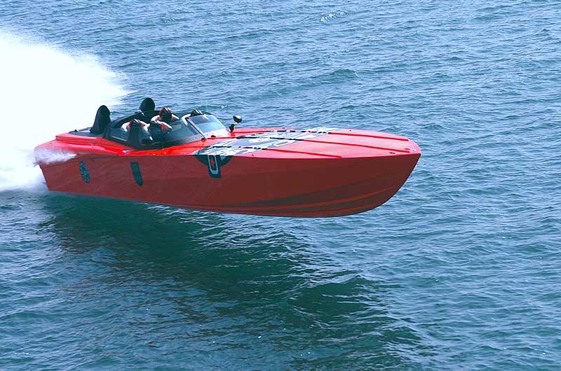 Roger Klüh - Speedboot Apache Star 09