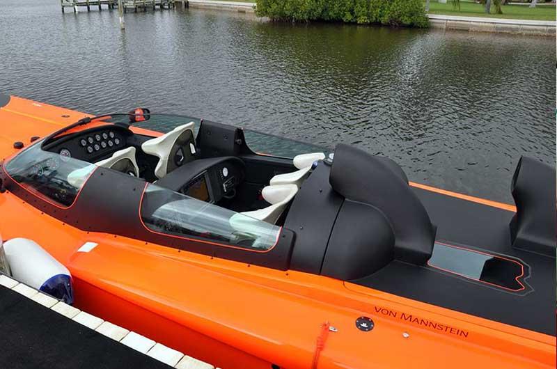 Roger Klüh - Speedboot Apache Star 10