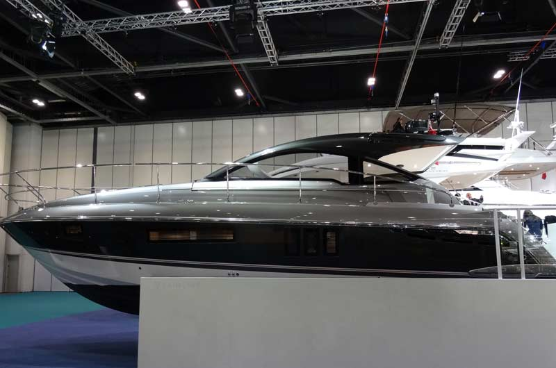 Fairline Shadow S London Boat Show Image-03