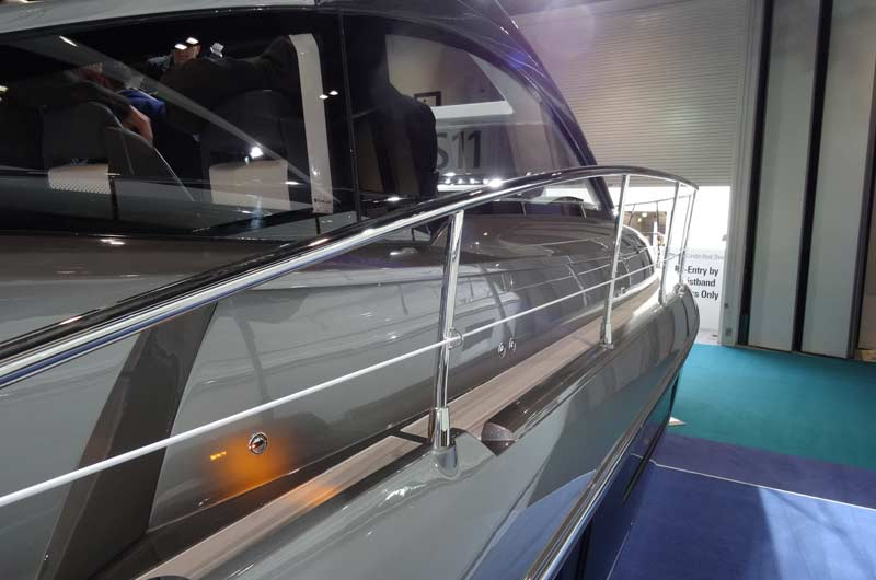 Fairline Shadow S London Boat Show Image-05