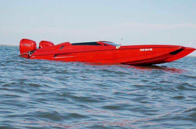Ferrari Speedboot Bild-01