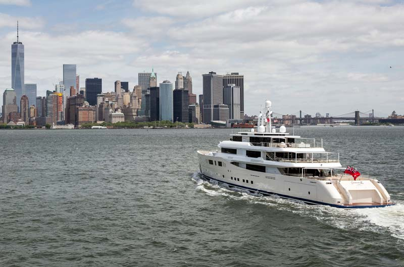 Perini Navi Grace E Superyacht in New York Bild-01