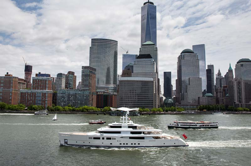 Perini Navi Grace E Superyacht in New York Bild-02