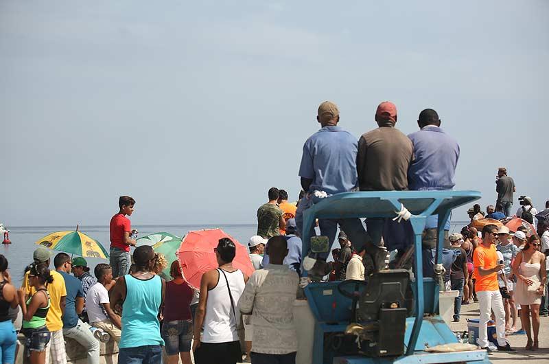 Apache Star Roger Klüh erreicht Kuba Bild-03