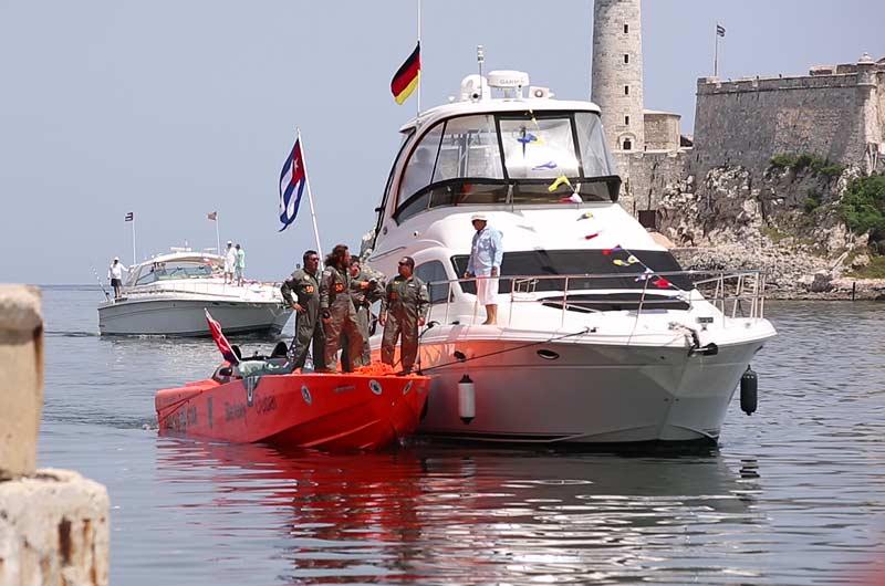 Apache Star Roger Klüh erreicht Kuba Bild-08