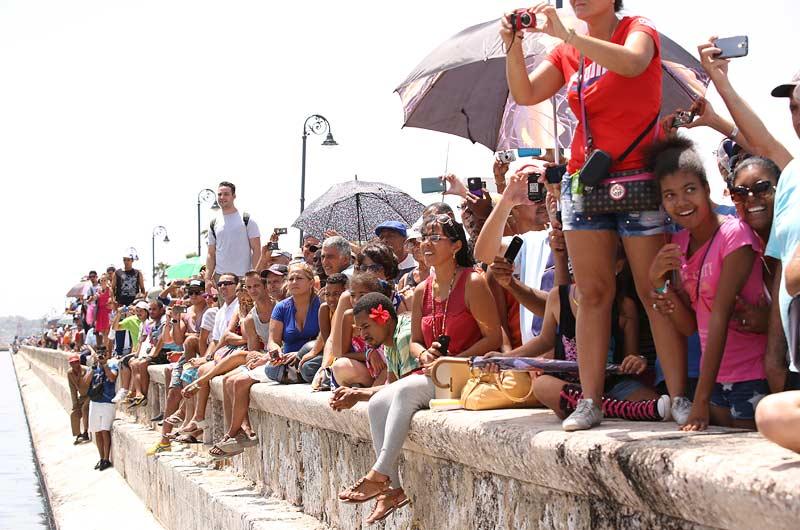 Apache Star Roger Klüh erreicht Kuba Bild-10