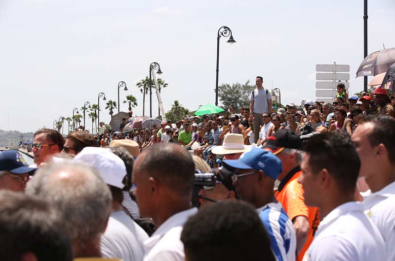 Apache Star Roger Klüh erreicht Kuba Bild-11