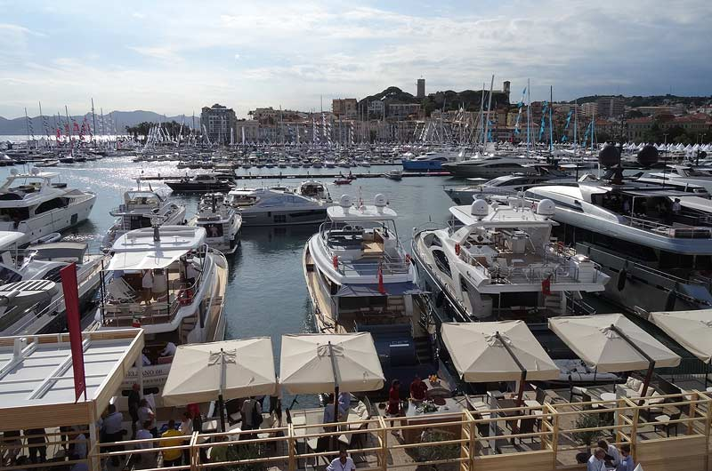 cannes-yachting-festival-2015-bilder-03