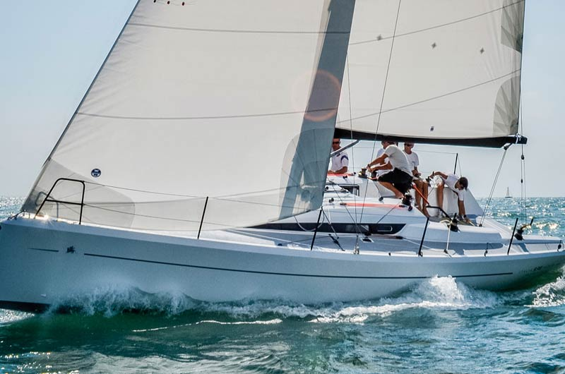 Italia 9.98 von Italia Yachts