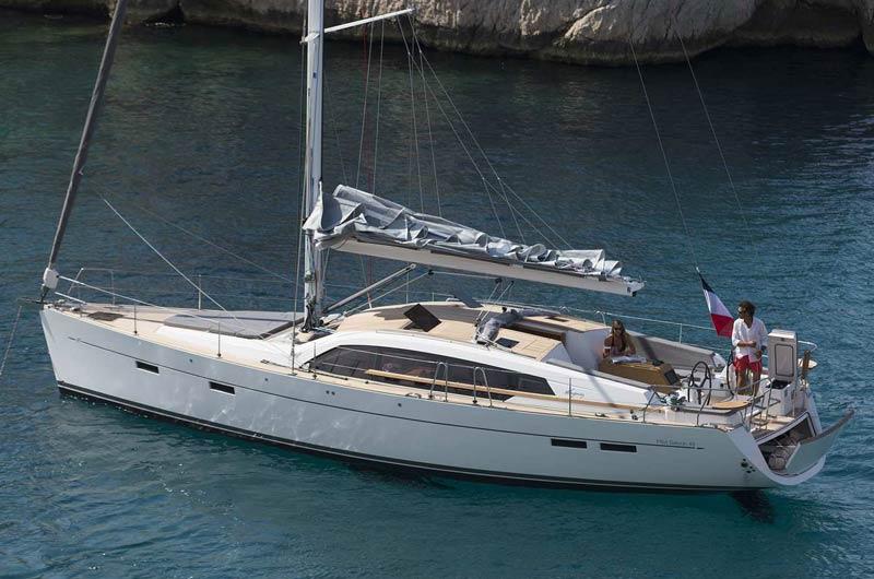 Pilot Saloon N 48 des französischen Herstellers Wauquiez Boats