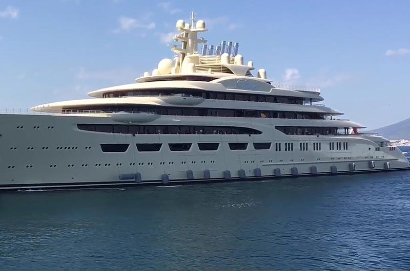 "Superyachten  Video: Lürssens 156m Superyacht ""Dilbar"" in Gibralta | Boot Online"
