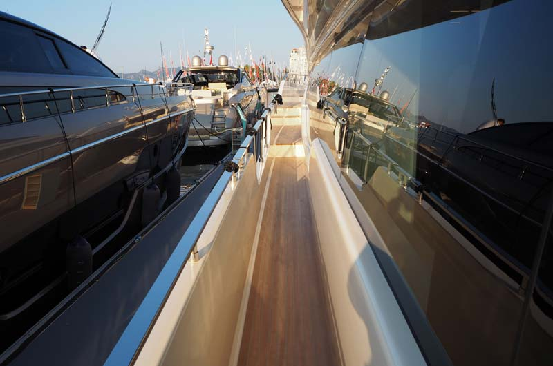 Cannes Yachting Festival 2016 04