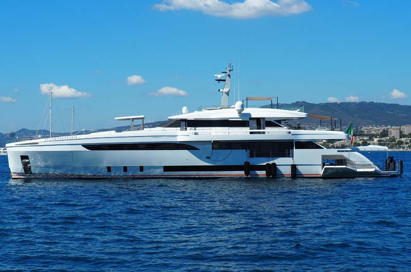 Cannes Yachting Festival 2016 12