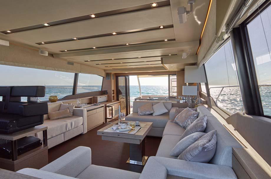 Prestige 630 Yacht Salon