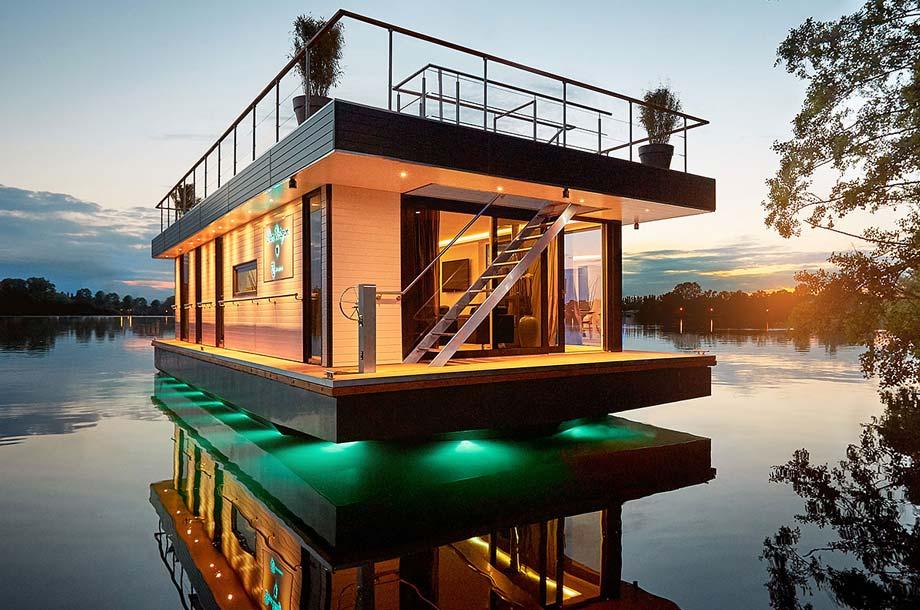 Hausboot Rev House - Aussenansicht