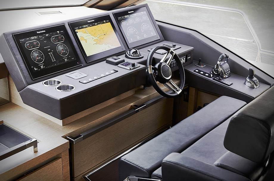 Prestige 680 S - Fahrerstand