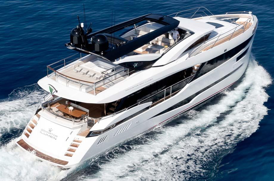 Dominator Ilumen 28 Yacht in Fahrt