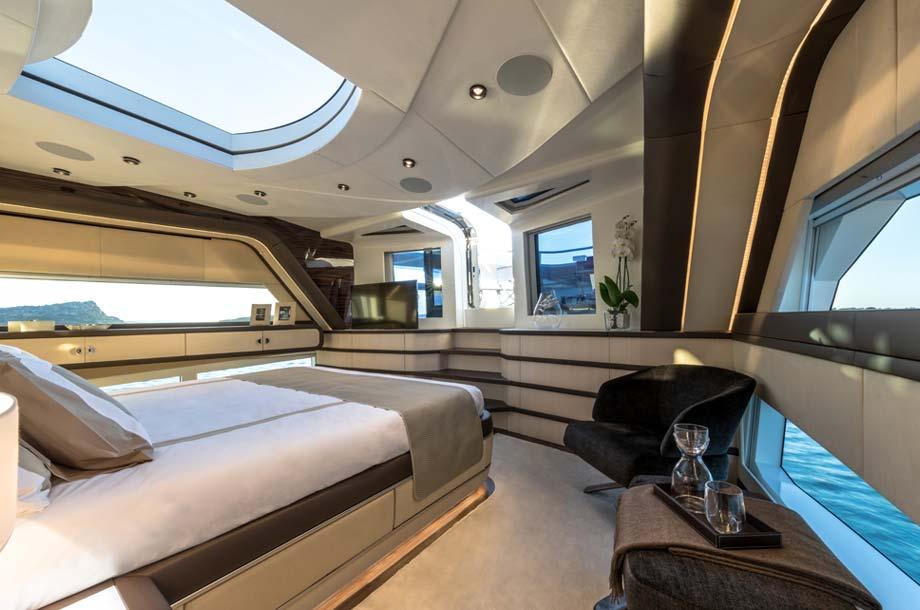 Dominator Ilumen 28 Yacht Masterkabine