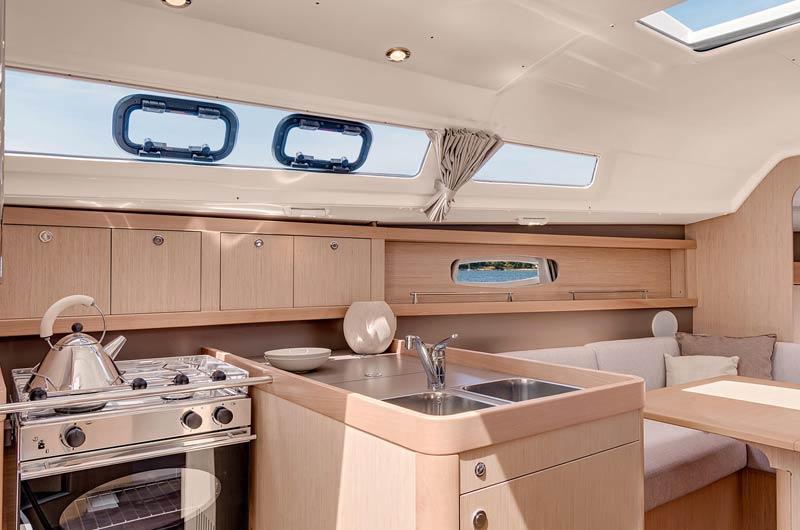 Oceanis Yacht 31 Pantry