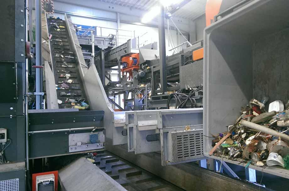 Recycling von Plastikmüll aus Flüssen